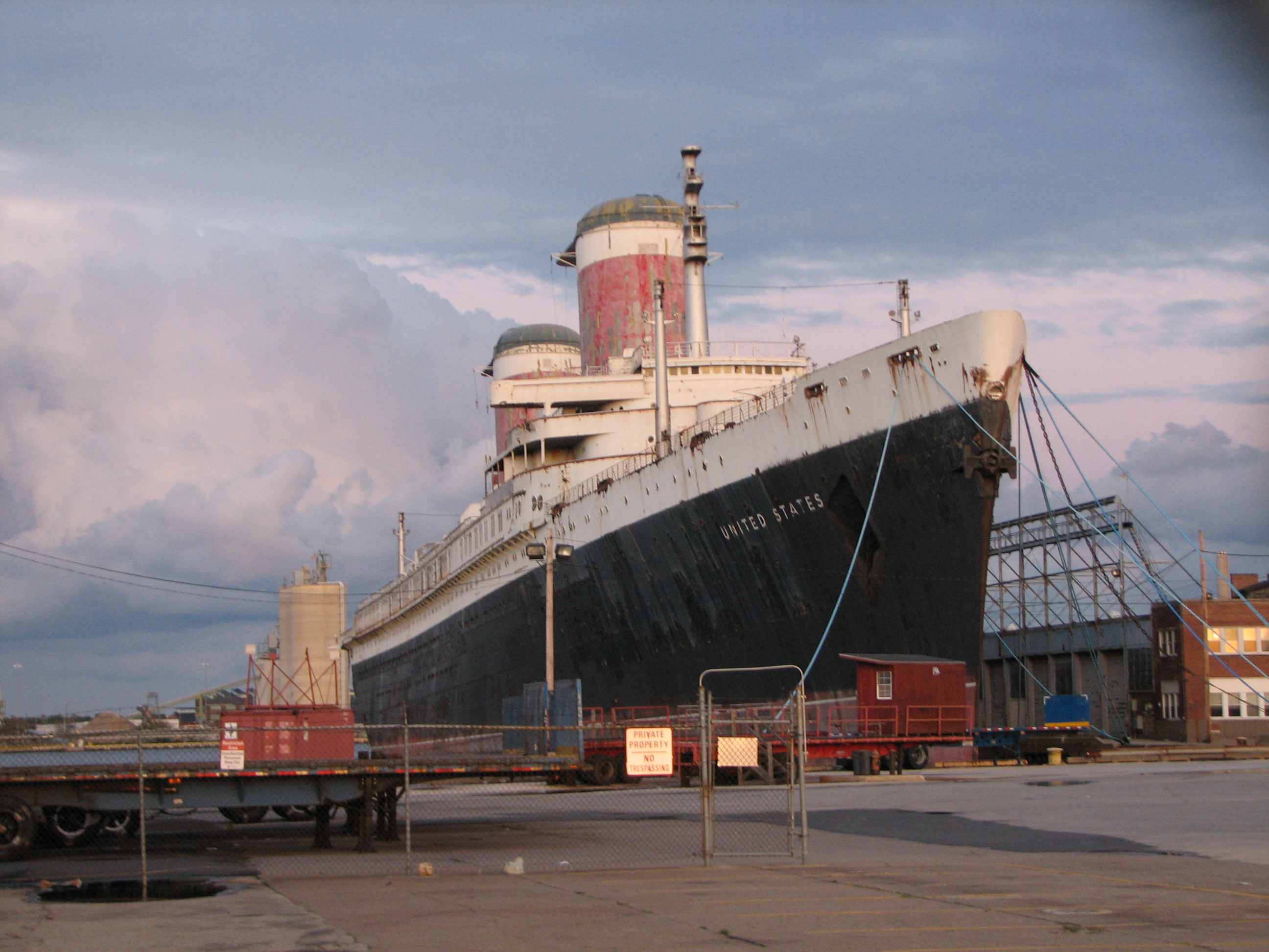 SS United States by Wikipedia contributor Lowlova
